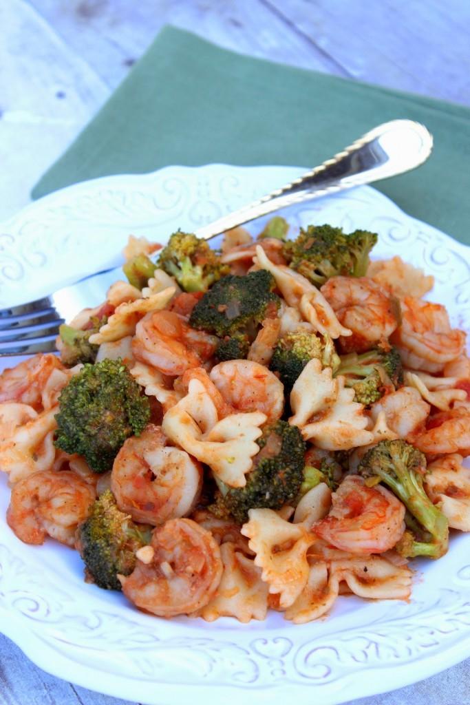 Shrimp Fra Diavolo with Broccoli - www.kudoskitchenbyrenee.com