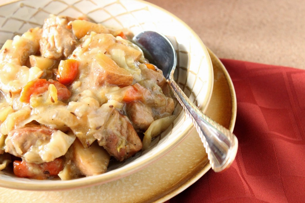 Slow Cooker Pork and Cabbage Stew #SundaySupper / www.kudoskitchenbyrenee.com