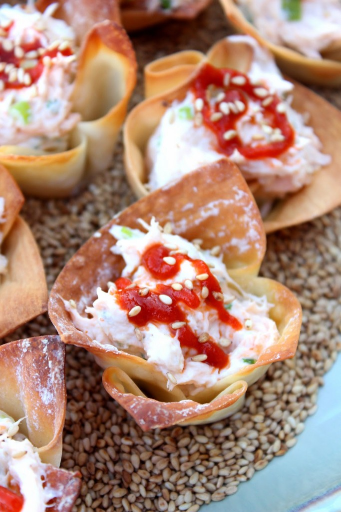 Spicy Baked Crab Rangoon with sesame seeds and sriracha
