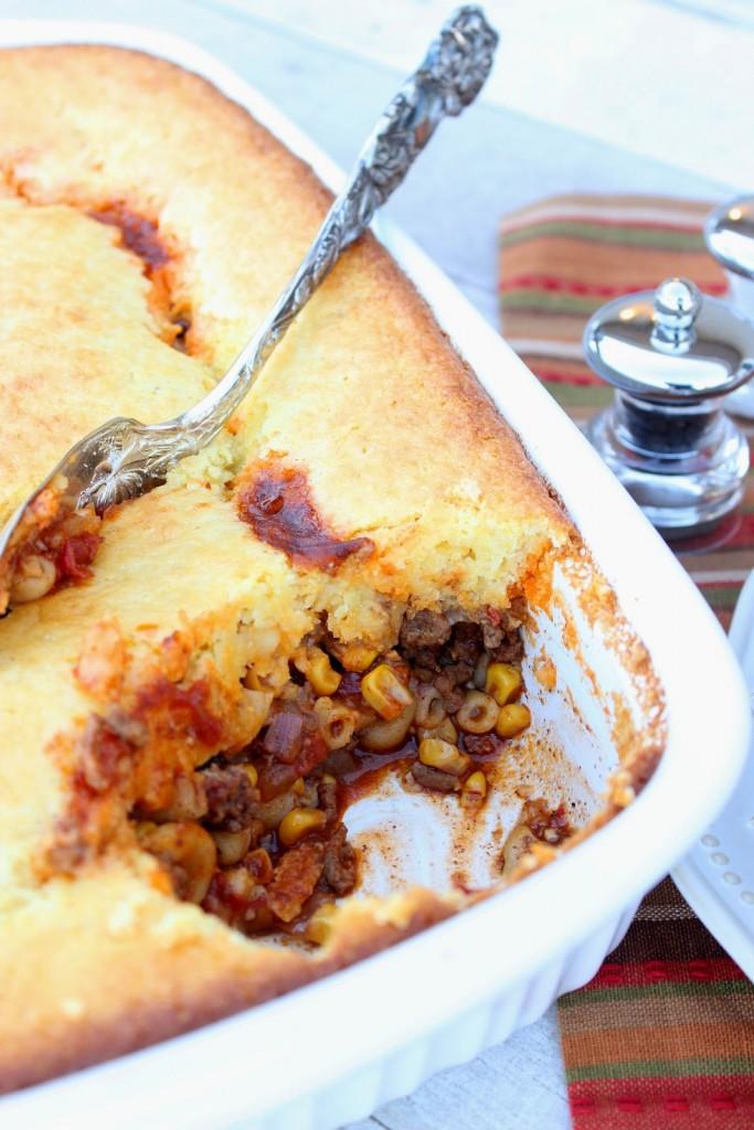 Kudos Chili Mac with Cornbread Crust Recipe