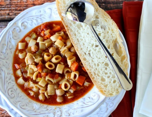 Meatless Tuscan Pasta Soup is a rich and hearty meatless soup. It's the perfect soup for the cold winter months. | Kudos Kitchen by Renee