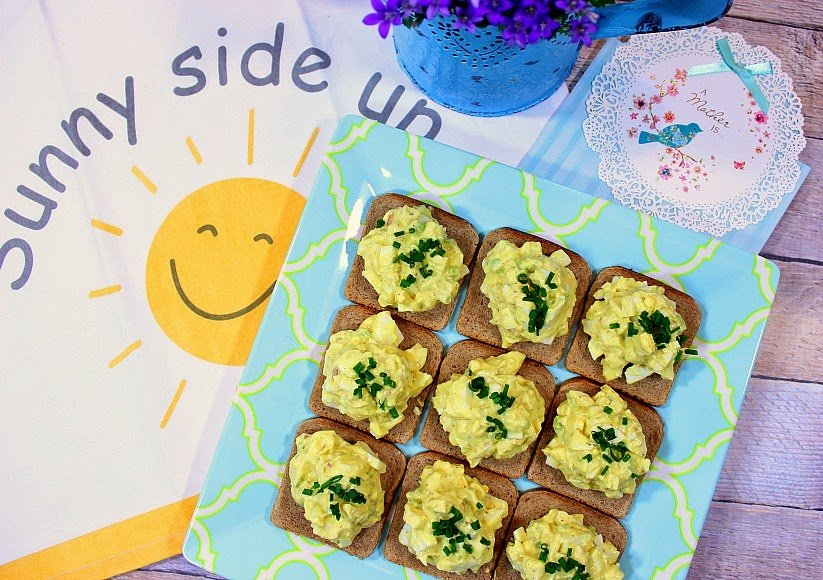 Easy Creamy Egg Salad Canapes