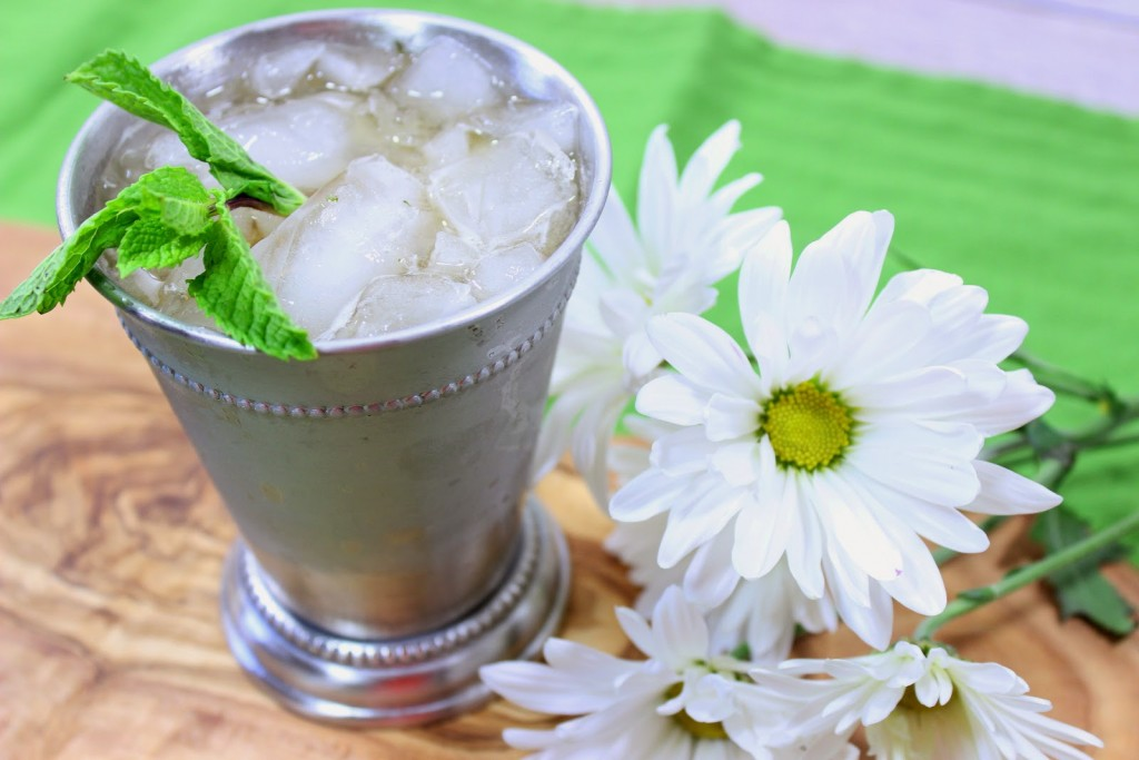 Non-Traditional Mind Julep is frosty, minty, sweet and kicky with Jack Daniels Kentucky bourbon and a light splash of ginger ale.