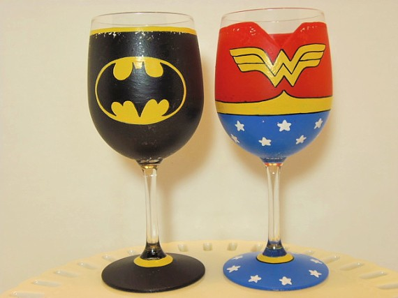Batman and Wonder Woman Wine Glass Set