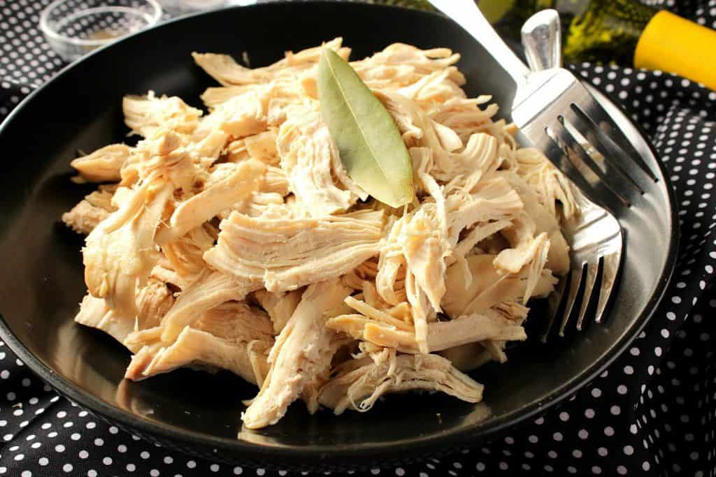 Chicken breast poached with white wine