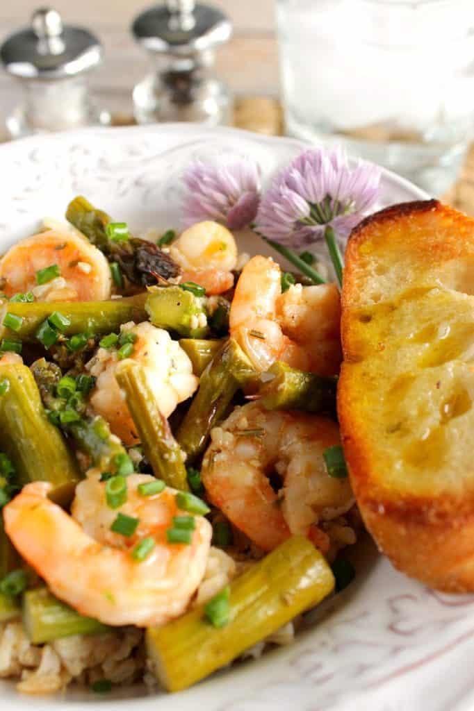 Saucy Shrimp and Asparagus with Garlic Toast