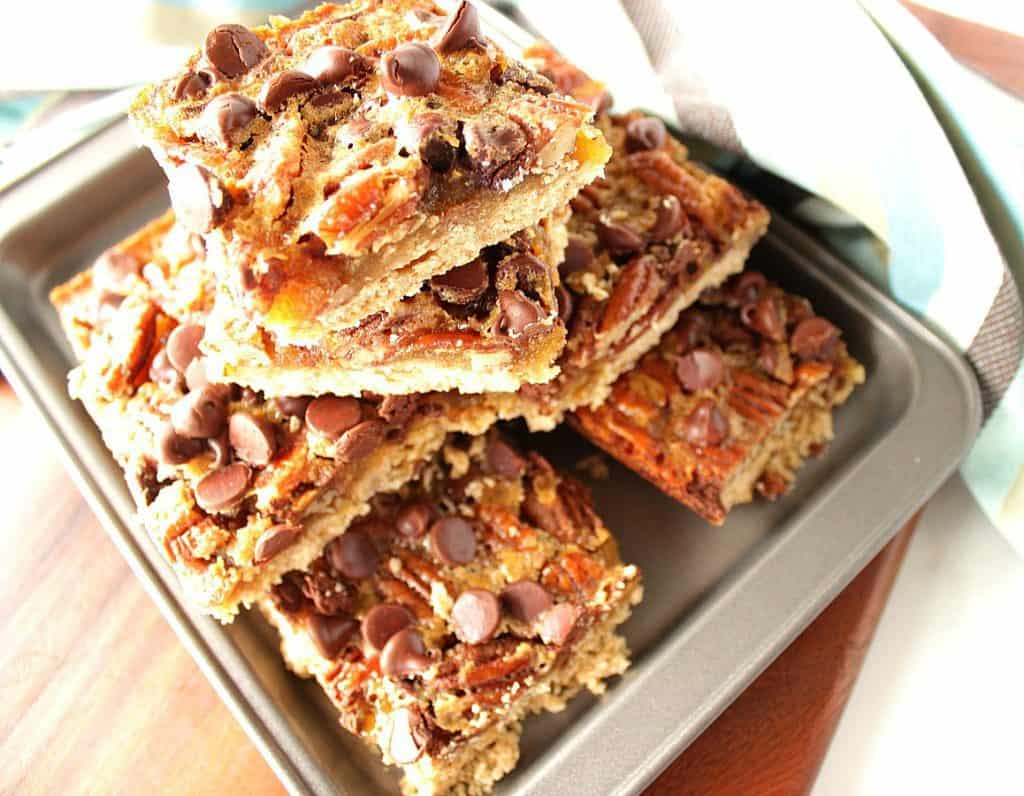 Pecan Pie Bars with Chocolate
