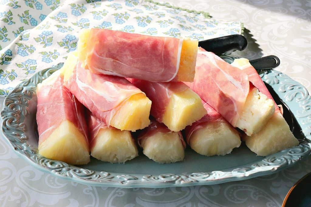 Sweet & Savory Prosciutto Wrapped Pineapple Spears - www.kudoskitchenbyrenee.com