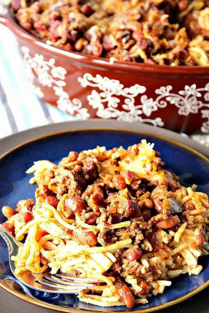 Easy Weeknight Dinner Recipes. Spaghetti and beans on a blue plate.