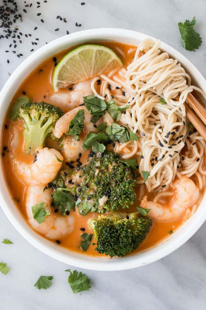 Easy Weeknight Dinner Recipes. Noodles and shrimp in a bowl with broccoli.
